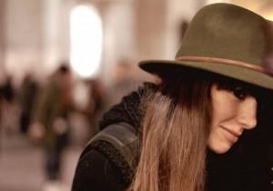 Accessori femminili di moda negli anni 70: i cappelli